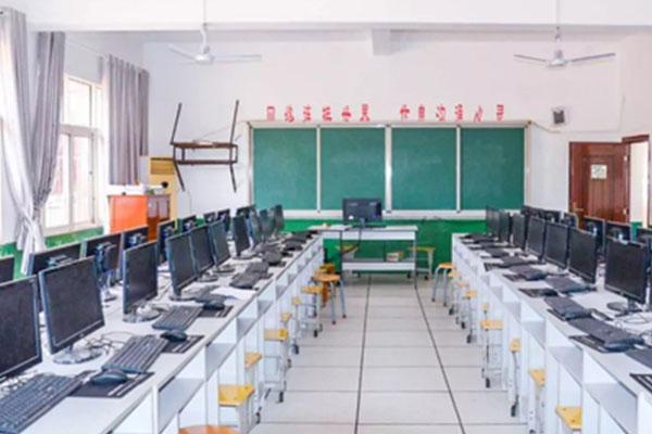 学校教学设备