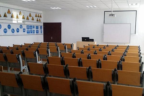 多媒体教学设备厂家详解教学设备的配备方法